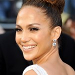 1330365874_jennifer-lopez-zoom