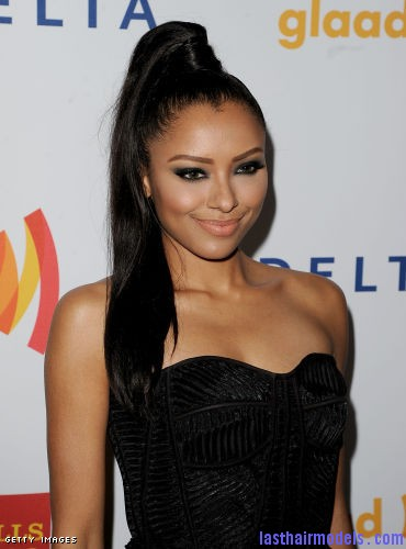 143231058 xxlarge Kat Graham's straight ponytail.