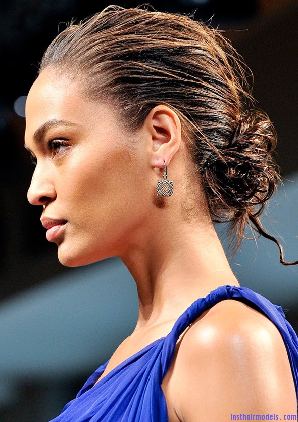2012 hairstyles for women Wet look chignon1 The wet look: Sexy look and stunning appeal!