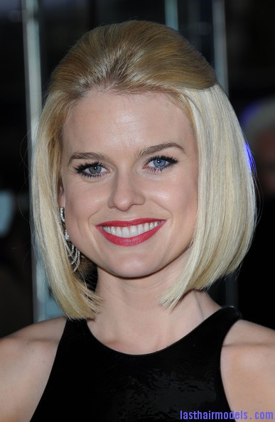 Alice+Eve+Shoulder+Length+Hairstyles+Mid+Length+IQMvoLTIvAZl Alice Eve's half tie bob: Ultimate bossy!