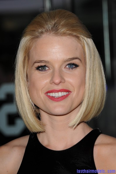Alice+Eve+Shoulder+Length+Hairstyles+Mid+Length+QspQElCTIRDl Alice Eve's half tie bob: Ultimate bossy!