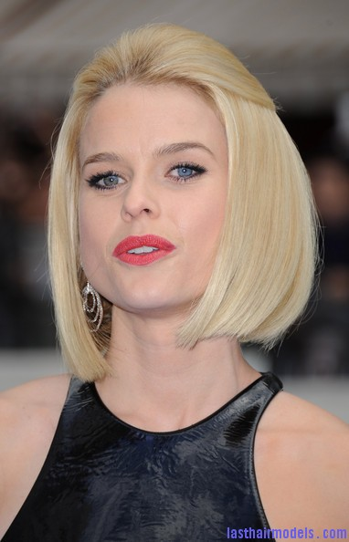 Alice+Eve+Shoulder+Length+Hairstyles+Mid+Length+mCXF1lLHtoTl Alice Eve's half tie bob: Ultimate bossy!