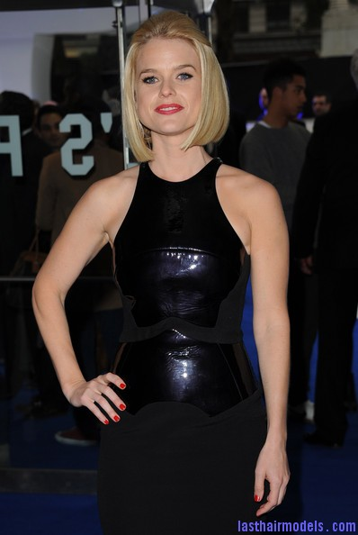 Alice+Eve+Shoulder+Length+Hairstyles+Mid+Length+zZM4OGvxUgnl Alice Eve's half tie bob: Ultimate bossy!