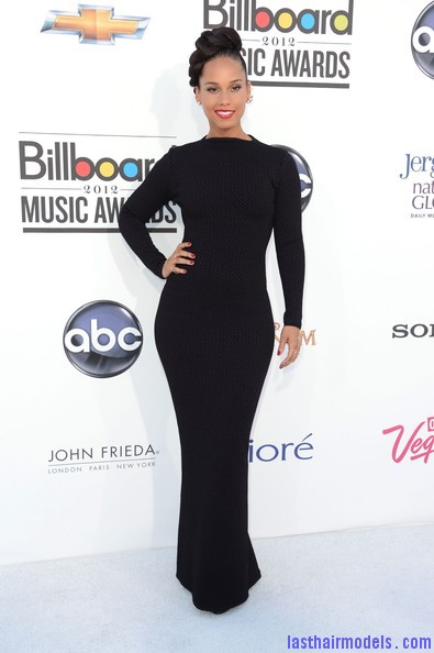 Alicia+Keys+2012+Billboard+Music+Awards+Arrivals+IgPvFR976JFl Alicia keys thick plaited updo.