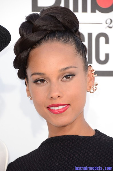 Alicia+Keys+2012+Billboard+Music+Awards+Arrivals+likaXoW7Lk0l Alicia keys thick plaited updo.