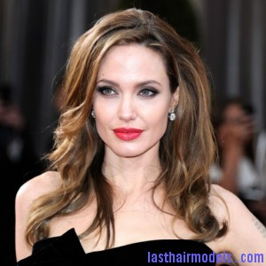 Angelina Jolie Hairstyle for Oscars 2012 520x520 300x300 Angelina Jolie Hairstyle for Oscars 2012 520x520