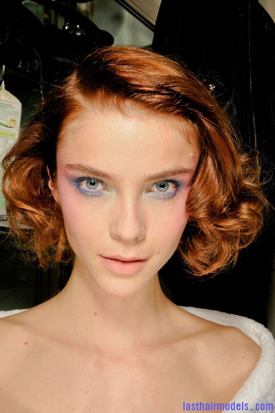 Azzaro+Fall+2012+Backstage+VVwna FXgVrl Messy curly short bob at Azura fall 2012.