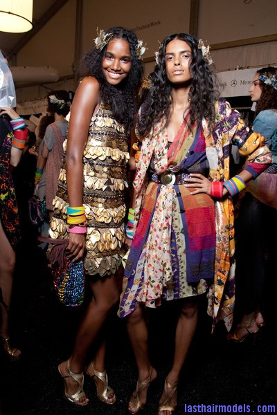 Diane+von+Furstenberg+Spring+2010+Backstage+77GFTPGEsHQl Hawaiian inspired crimped hairstyle with artificial flowers.