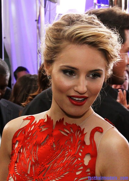 Dianna+Agron+smartwater+Golden+Globes+Red+HZ83P elhCKl Diana Agron's elegantly styled updo with a ponytail: Sheer redness on red carpet!!