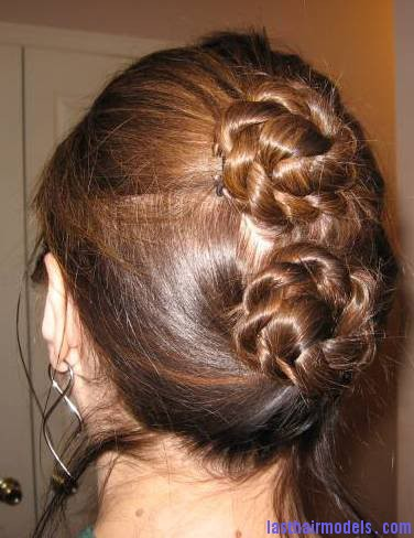Double Bun Hairstyle Double buns: Chinese 'ox horns' hairstyle.