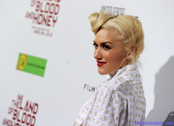 Gwen+Stefani+Updos+Loose+Bun+29KCIo5 y5Cl Gwen Stephani's lopsided side retro roll.