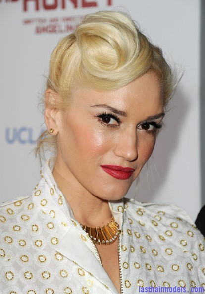Gwen+Stefani+Updos+Loose+Bun+dWpQ5rS0pn1l Gwen Stephani's lopsided side retro roll.