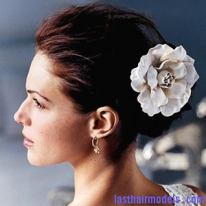 Hawaiian wedding hairstyles3 300x300 Hawaiian hairstyles.