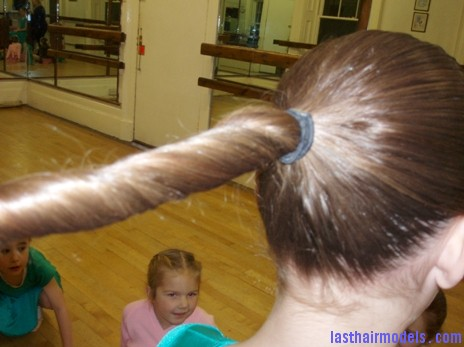 How to Make a Ballet Bun 2 Ballerina buns.