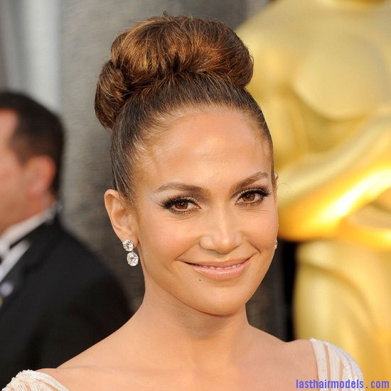 Jenifer Lopez bun hairstyle Jennifer Lopezs tight bun: Charisma in tight high sweep!