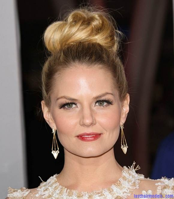 Jennifer Morrison Sports Sexy Top Knot at Peoples Choice Awards Kat Grahams afro hair top knot in style.