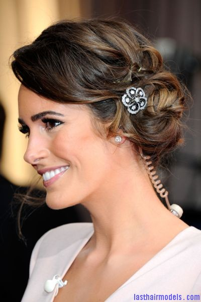 Louise Roe at the Oscars 2012 Louise Roes messy side bun with crystals: Enhancing the messy outlook!