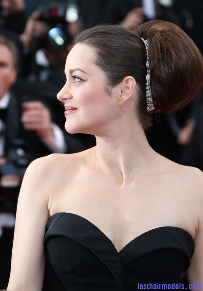 Marion+Cotillard+Updos+Retro+Updo+VhncmmvefYZl Thick round retro bun: Simply gorgeous!
