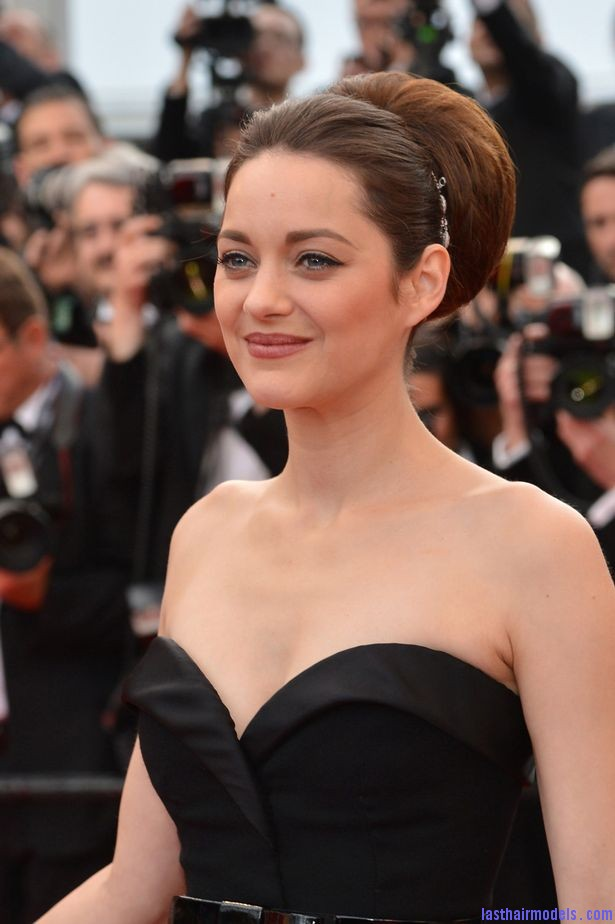 Marion+Cotillard+arrives+for+the+screening+of+ De+Rouille+et+DOs +in+Cannes Thick round retro bun: Simply gorgeous!