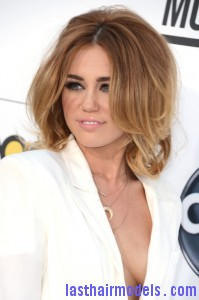 Miley+Cyrus+2012+Billboard+Music+Awards+Arrivals+esXy xmOJp0l 199x300 Miley+Cyrus+2012+Billboard+Music+Awards+Arrivals+esXy xmOJp0l