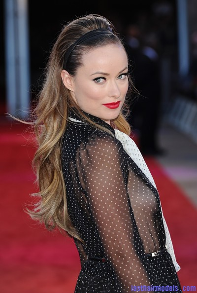 Olivia+Wilde+Long+Hairstyles+Teased+8ezfbe7xhCvl Olivia Wilde's wavy hairstyle with headband.