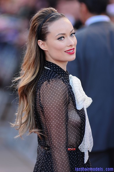 Olivia+Wilde+Long+Hairstyles+Teased+xdtSuwOVVlAl Olivia Wilde's wavy hairstyle with headband.