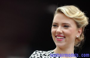 Scarlett+Johansson+Walk+Fame+fZHw6SfXcqKl 300x196 Scarlett+Johansson+Walk+Fame+fZHw6SfXcqKl