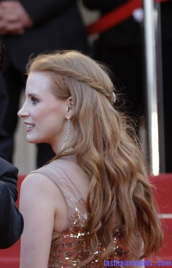 Tom Hardy and Jessica Chastain Jessica Chastain's twisted half tie.