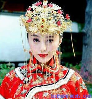 Womens Hair Ornaments in Old China Chinese hair accessories: Plenty to choose from!