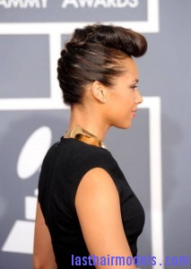 alicia keys updo 213x300 The 54th Annual GRAMMY Awards   Arrivals