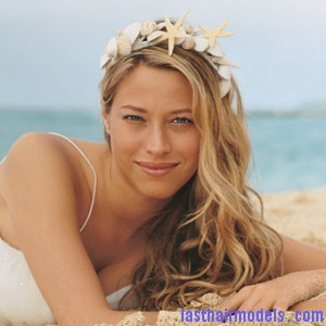 beach wedding long hairstyles 300x300 beach wedding long hairstyles 300x300