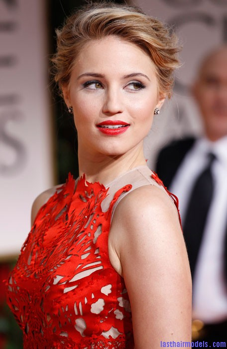 golden globe awards 2012 57 Diana Agron's elegantly styled updo with a ponytail: Sheer redness on red carpet!!