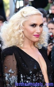 gwen stefani2 186x300 Pinned Curls Hairstyle