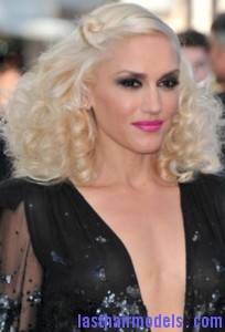 gwen stefani3 204x300 Pinned Curls Hairstyle