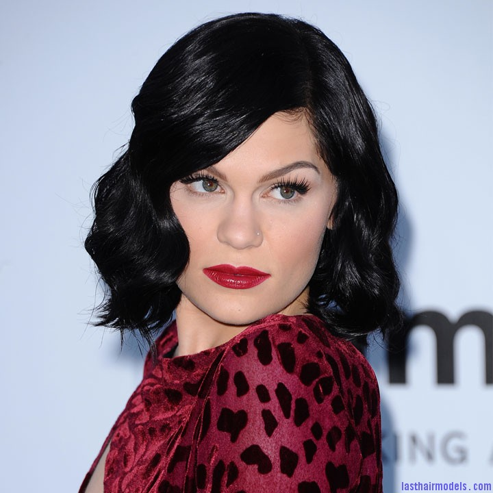 jessie j au gala de l amfar au festival de cannes 2012 10701986lkxtw Jessie Js retro polished curly bob: With a modern twist!