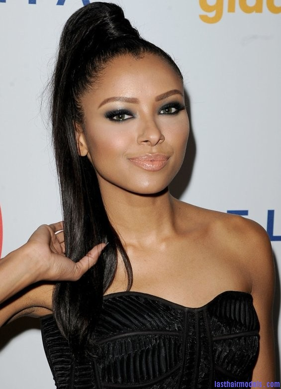 Kat Graham's straight ponytail.