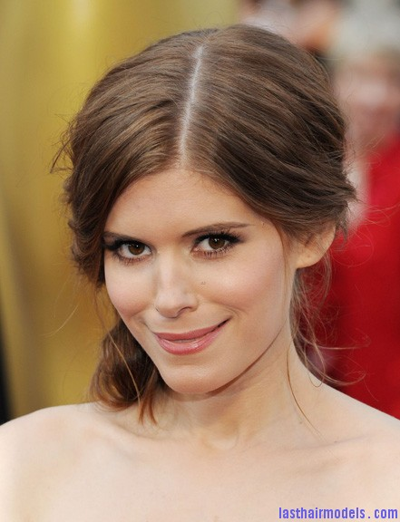 kate mara oscars 2012 02 Kate Maras messy low do with crystals: the messy look is super in!!