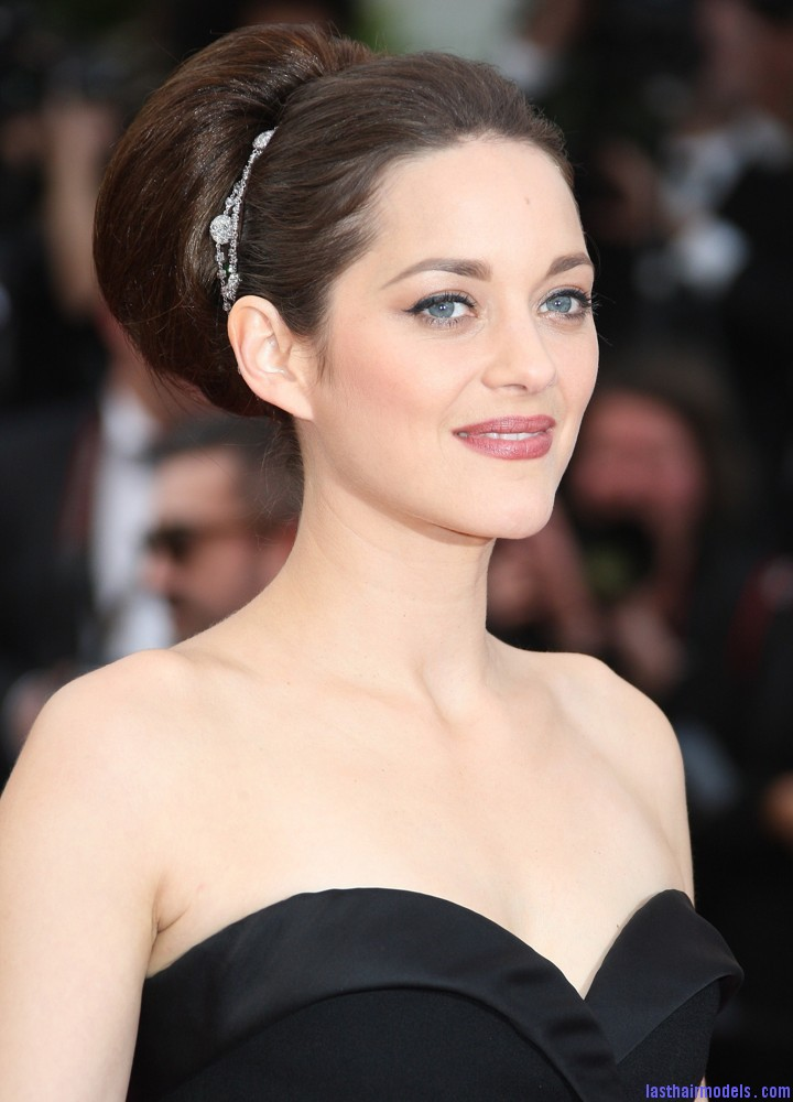 marion cotillard 65th annual cannes film festival 01 Thick round retro bun: Simply gorgeous!