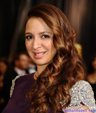 maya rudolph 022712 m Maya Rudolph's side curls: Making a statement of their own.