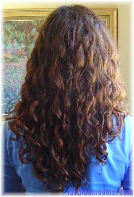 melinda back Natural Botticelli curls.