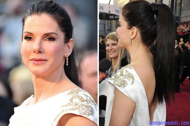 sandra bullock Sandra Bullock's high ponytail: Perfect match for her monochrome dress!