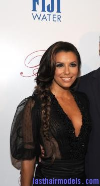 th 810a211765068581 Eva Longoria's side plait: the sleek feminity!
