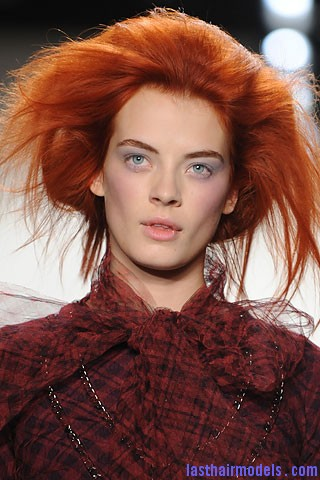 thakoon1 Volumised messy faux bob for long hair.