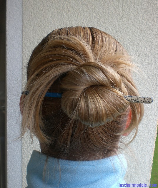 5457760023 d13e094fbc z Lazy wrap hairstyle: Tuck a stick in!