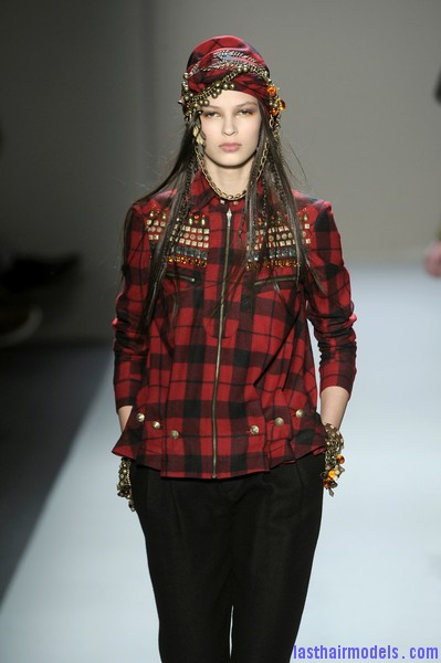 Alexandre+Herchcovitch+Fall+2010+ONC M6nm2PHl Head wraps with decorative Ghungroos and bells.