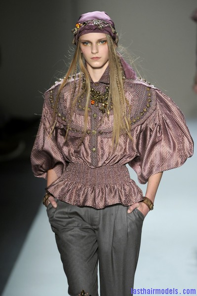 Alexandre+Herchcovitch+Fall+2010+U3FTPMfaJCll Head wraps with decorative Ghungroos and bells.