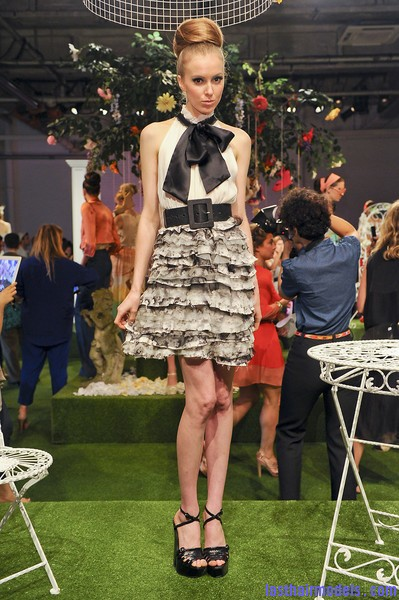 Alice+Olivia+Spring+2012+j57TtiSkxIhl Newer Wedding hairstyles.