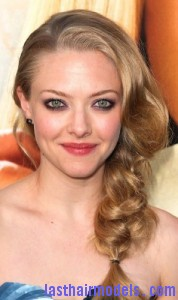 amanda seyfried 178x300 Amanda Seyfrieds Voluminous Braid