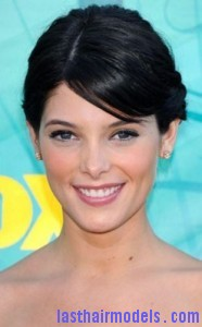ashley greene 186x300 Ashley Greene Criss Cross Hairstyle