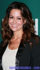 brooke burke8 174x300 Brooke Burke Hairstyle With Spiral Curls
